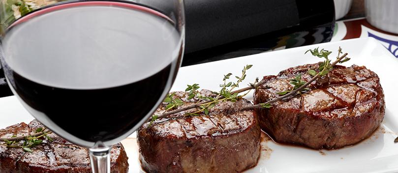 Harmonizando carne e vinho: dicas de como combinar