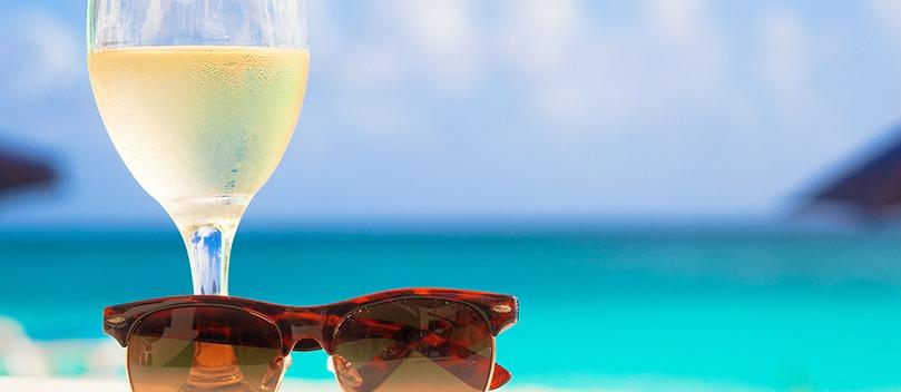Vinho e calor: 8 rótulos para aproveitar os dias quentes.